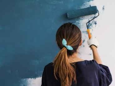 How to Paint Interior Walls image